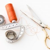 How to cut ribbon without scissors